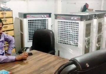 दिल्ली में फैक्टरी खुलने के बावजूद फैक्टरी मालिकों में मायूसी